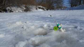 Ловля рыбы зимой на мелях