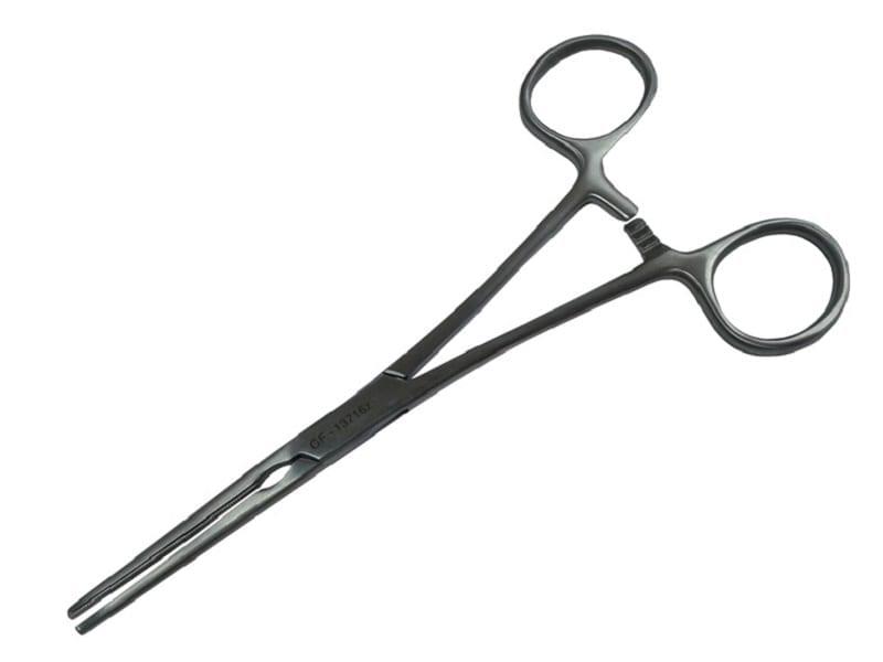 хирургический зажим в качестве некоего аналога рыбацкого экстрактора