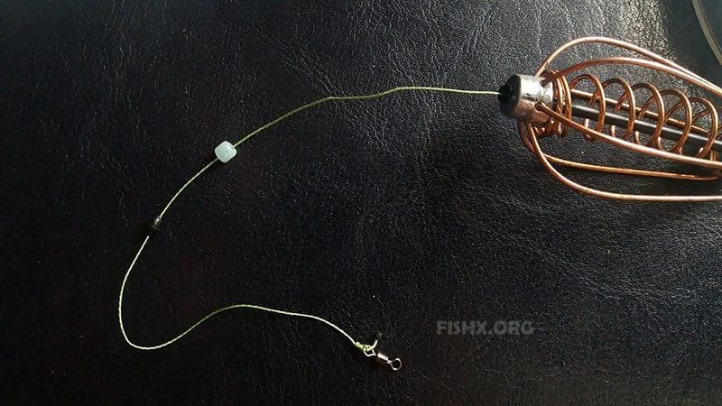 Вертлюжок привязывается узлом клинча