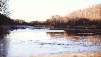 Мифы о рыбалке поздней осенью