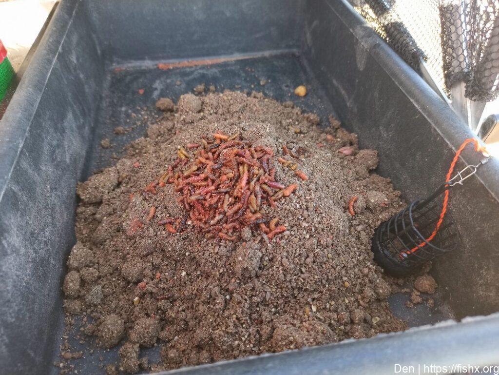 Прикормка для фидерной ловли карася «макуха с шоколадом»