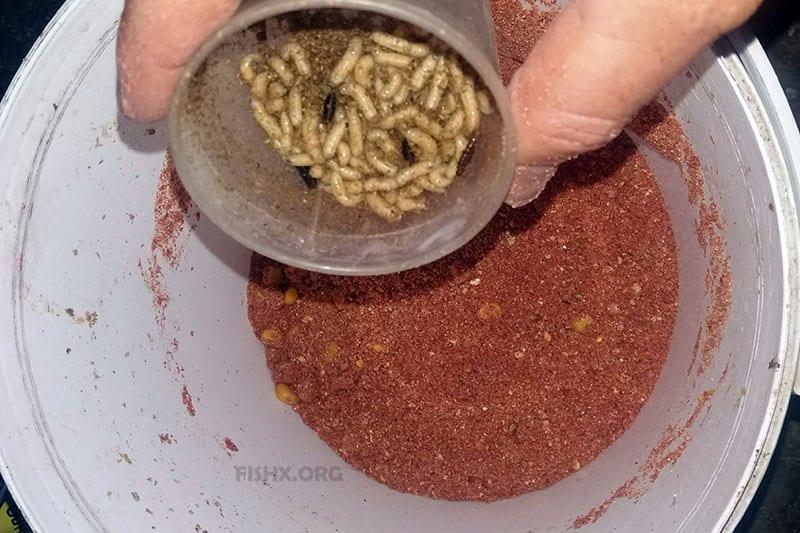 Как доработать пакетированную прикормку для фидерной ловли