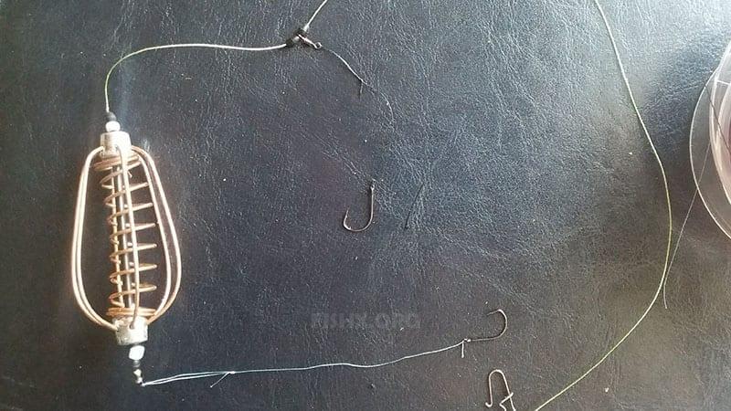 связать поводки на монтаж пружина и соединить их петлей