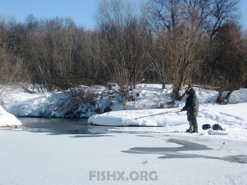 Ловля на болонскую удочку зимой