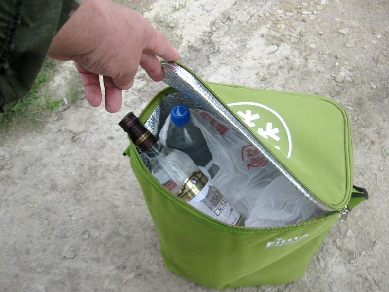 Изотермическая сумка с продуктами