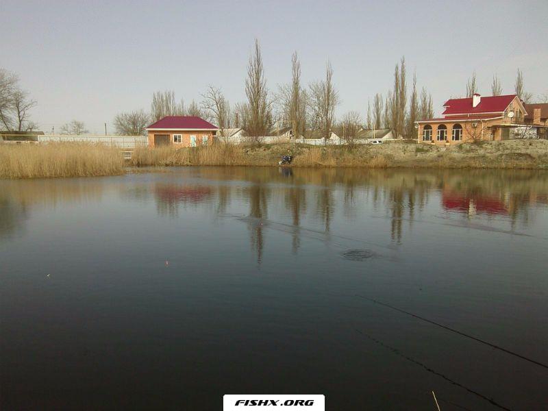 Дом на берегу канала в хуторе Садки