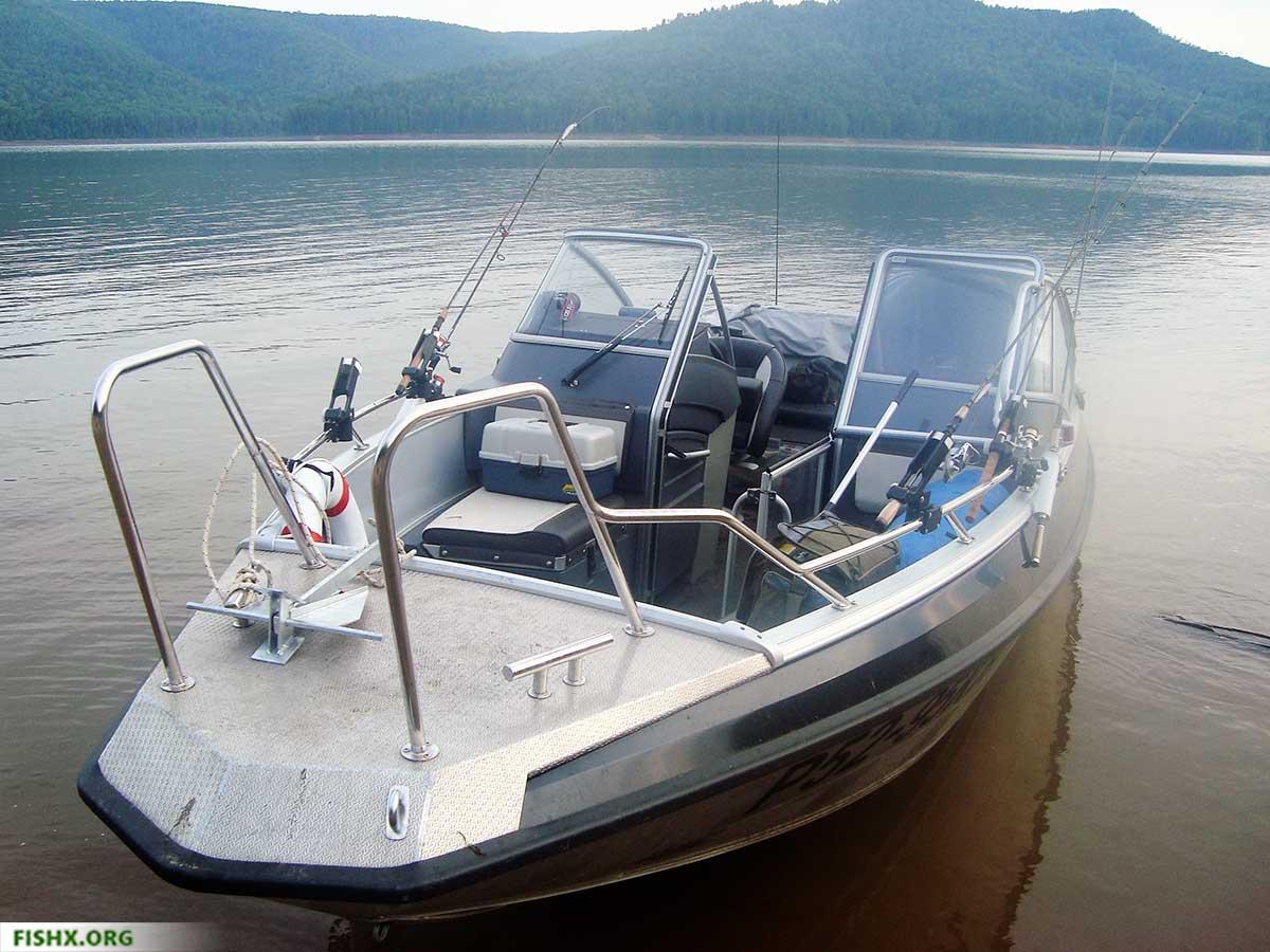 Корпусная лодка для троллинга