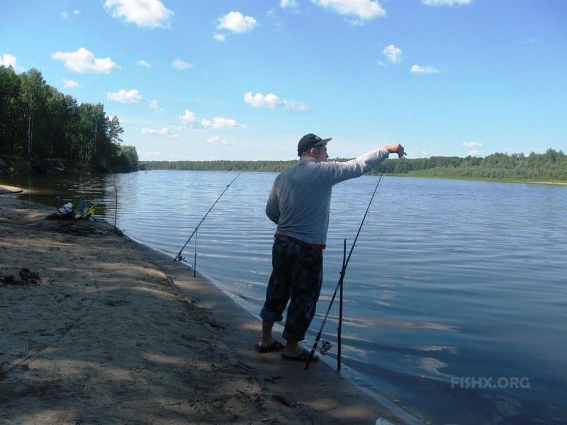Ловля на самодельный фидер-донку на большой реке
